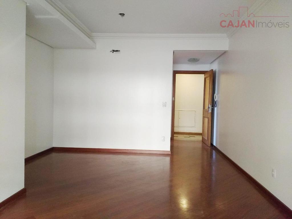 Oportunidade - Apartamento com 3 dormitórios e 2 vagas de garagem no bairro Petrópolis