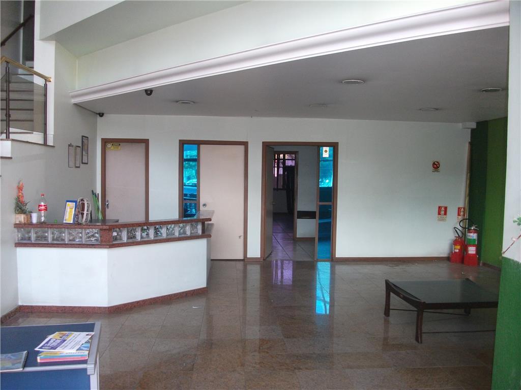 vende ou aluga prédio comercial, com salas amplas, banheiros, 4 pisos com churrasqueira, sub-solo com garagem...