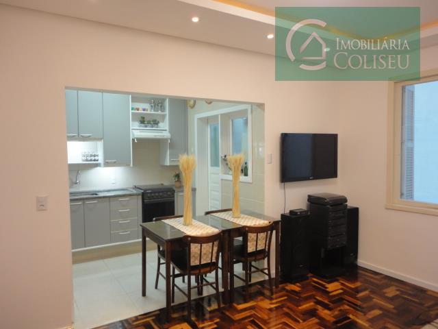Apartamento de dois dormitórios impecável na Cidade Baixa