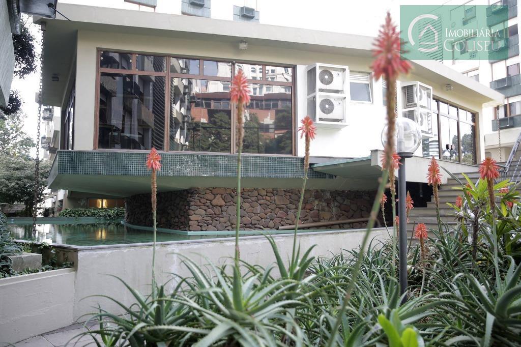 more neste fantástico apto num dos melhores bairros de porto alegre, com uma das maiores áreas...