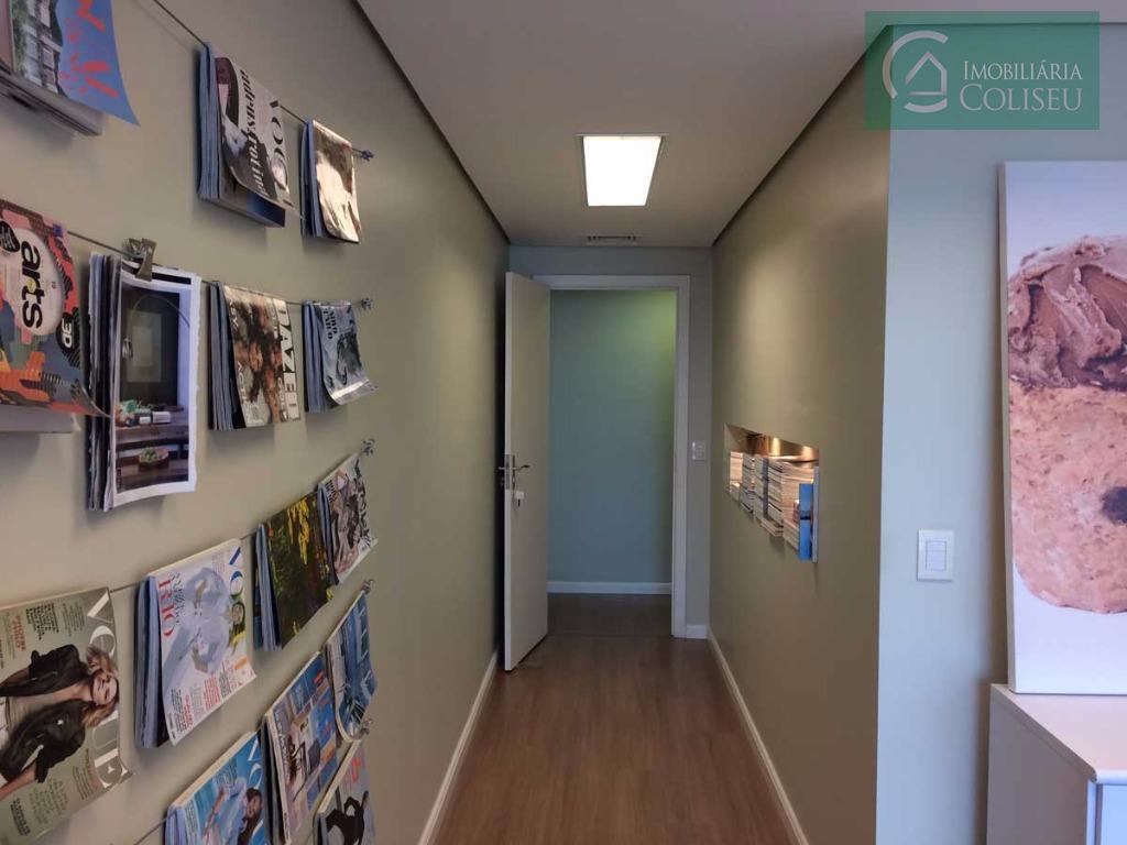 lindíssima sala decorada por designer10º andar com vista para o guaíba, toda mobiliada: armários na cozinha...