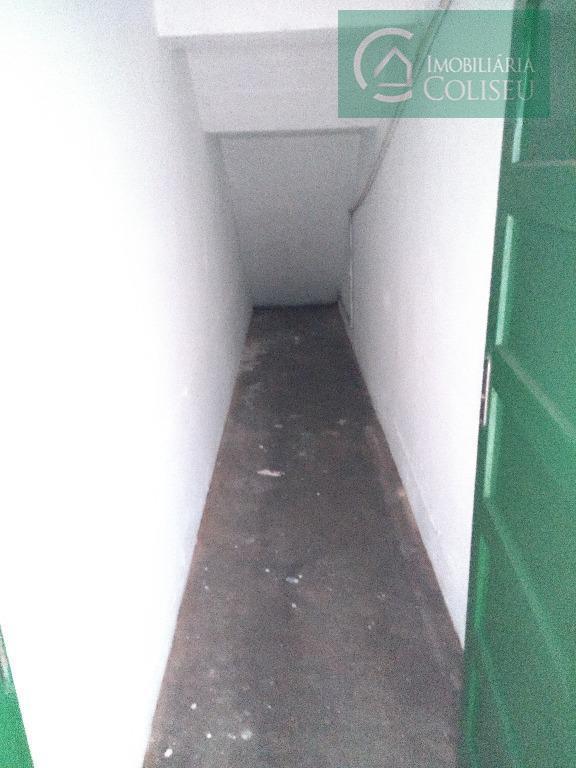 aluga loja comercial em ótimo estado de conservação com 100 m², um pequeno depósito, banheiro, piso...