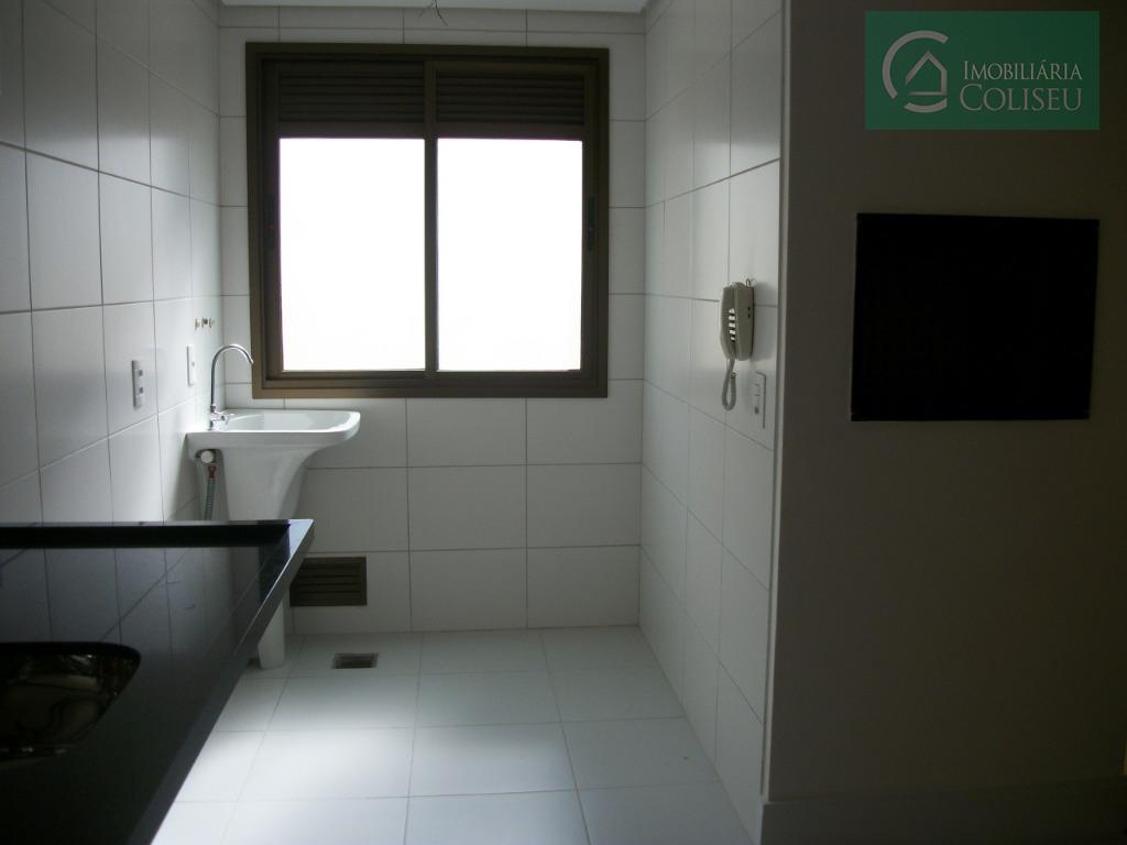 aluga excelente apartamento novo, 3 dormitórios sendo um suite, amplo living 2 ambientes, cozinha com churrasqueira...