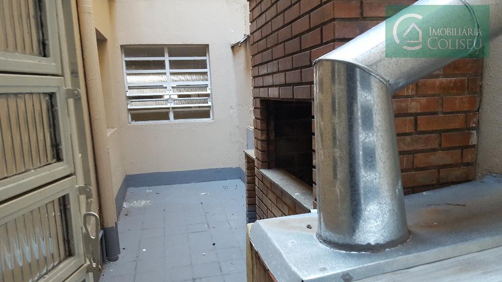 sobreloja com aproximadamente 120m², área externa com churrasqueira, bom para restaurante em cima do super mercado...