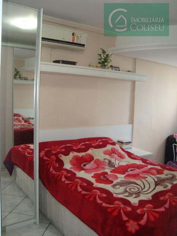 excelente apartamento, localizado no centro de porto alegre, na beira do guaíba, ao lado do gasômetro,...