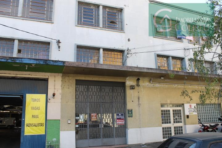 ampla conjunto comercial na moura azevedo quase esquina presidente roosevelt, 2 banheiros. príóximo a comercio e...