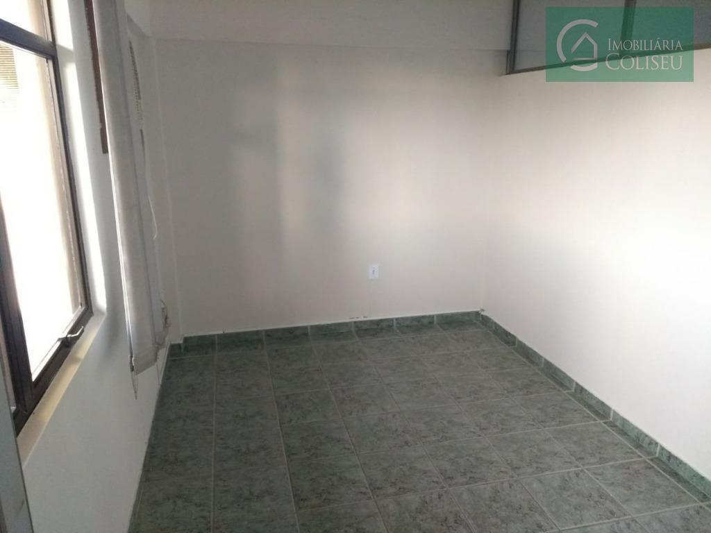 excelente sala com cobertura, aceita troca por apartamento, paga até 100mil para o comprador! três ambientes...
