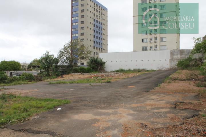 excelente terreno para de 29,70m de frente por 49,50 de fundos, já foi estacionamento e lavagem...