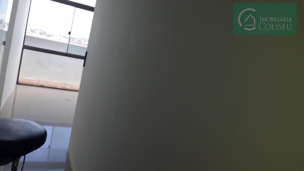 sala cobertura na osvaldo aranha, 73,64m² privativos, piso porcelanato dois banheiros sociais, edifício com portaria, catracas...