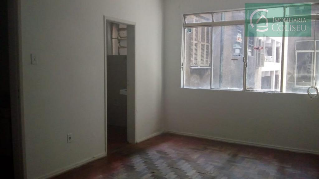 Apartamento residencial para locação, Centro, Porto Alegre.