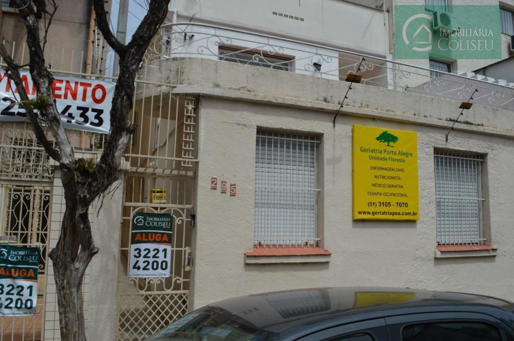 Sobrado residencial para locação, Floresta, Porto Alegre.