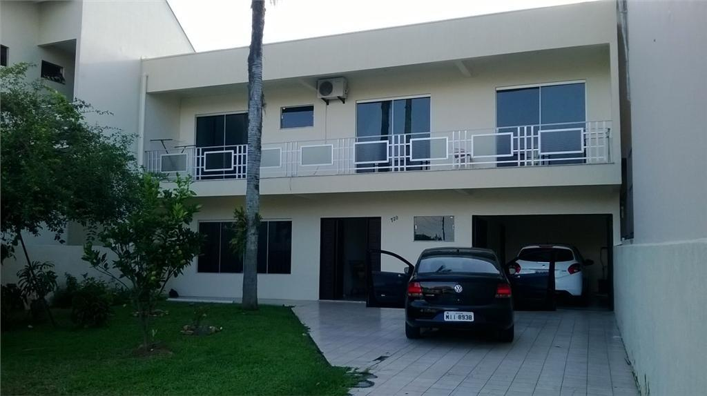 Sobrado residencial à venda, São Judas, Itajaí.