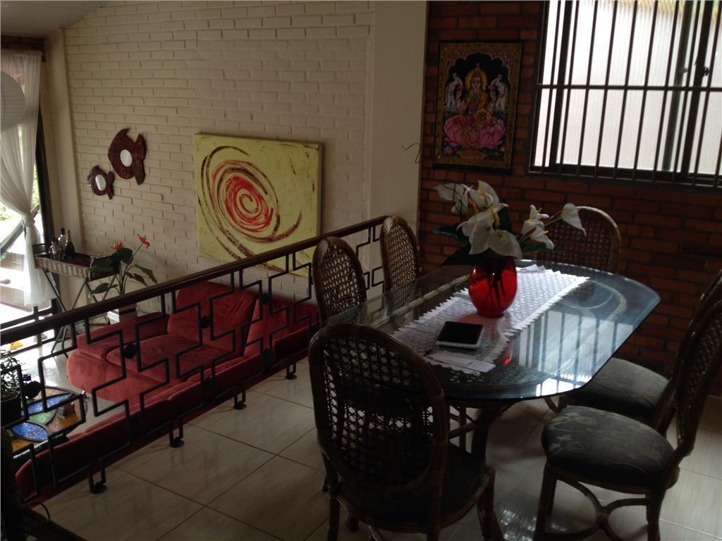 1) sobrado c/ 01 suíte + 01 quartos + escritório + dep. completa + área de...