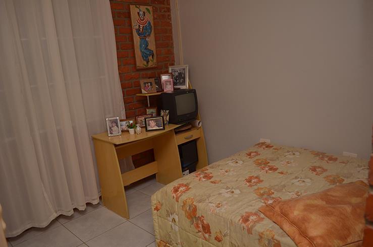 casa c/ vista p/ o mar, c/ 01 suíte, 03 quartos, sala de estar/jantar, 03 wc...