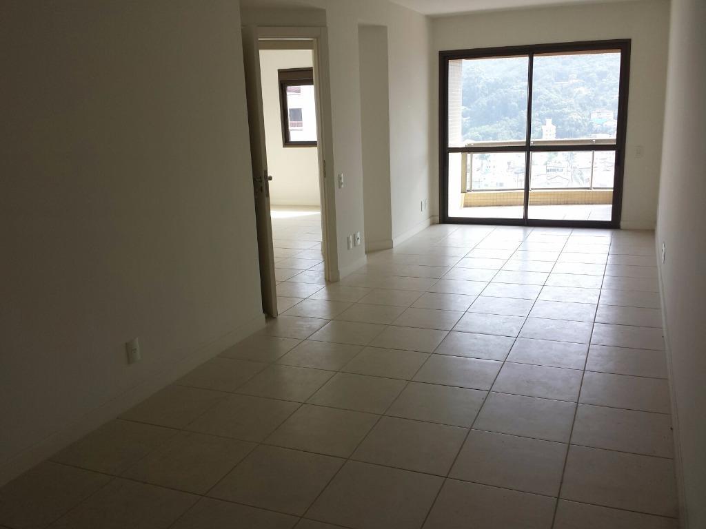 Apartamento residencial à venda, Centro, Itajaí - AP0097.