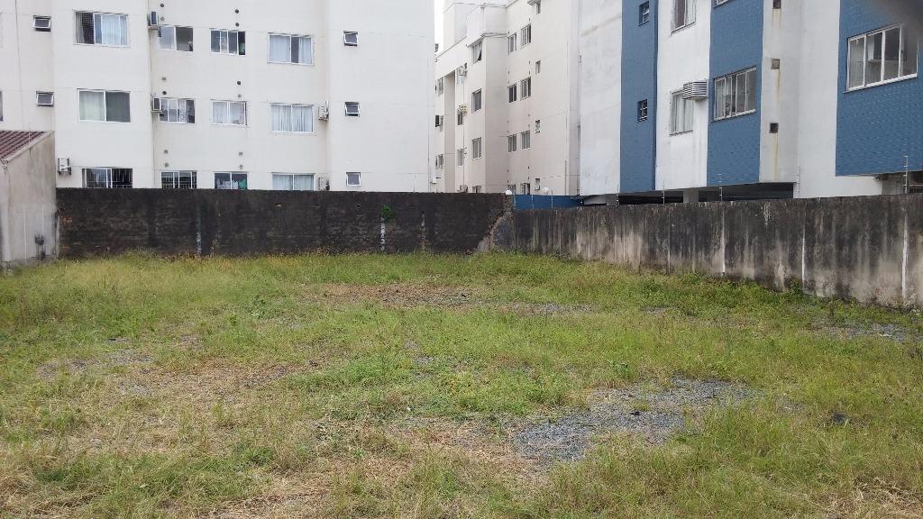 terreno c/ 514,40m² (16x32).