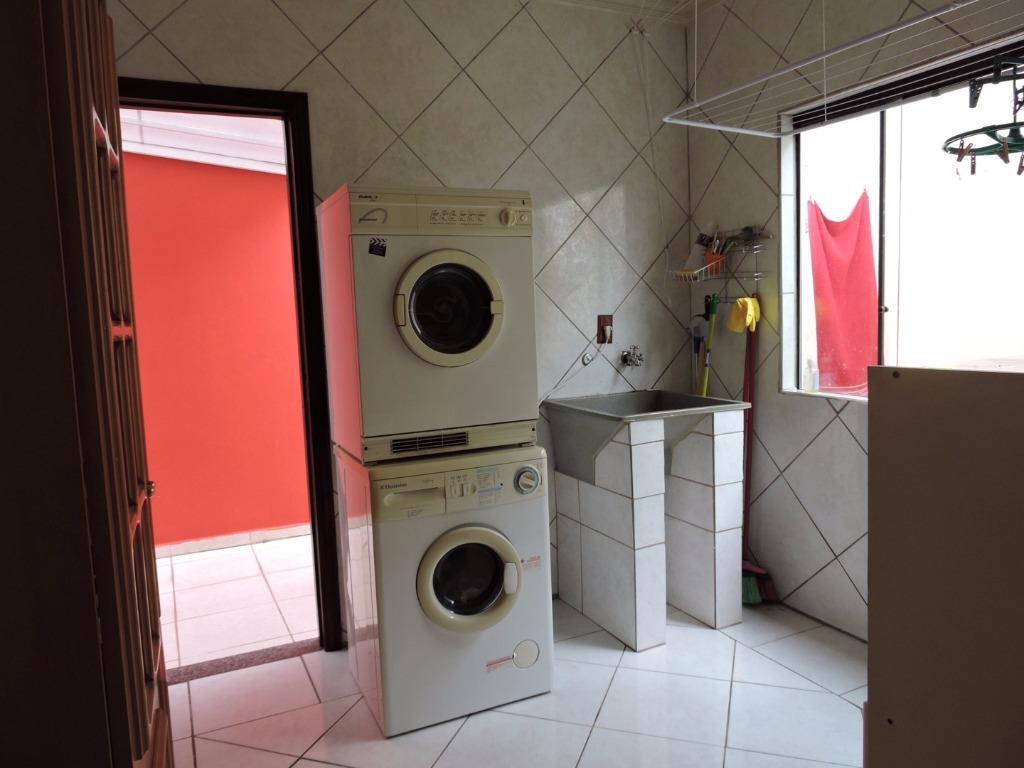 casa averbada c/ 01 suíte , 02 dormitórios, sala de estar/jantar, cozinha/copa, área de lazer c/...