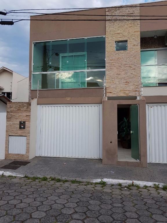 Casa residencial à venda, São Judas, Itajaí.