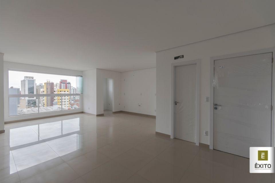 Apartamento residencial à venda, Centro, Itajaí - AP0892.