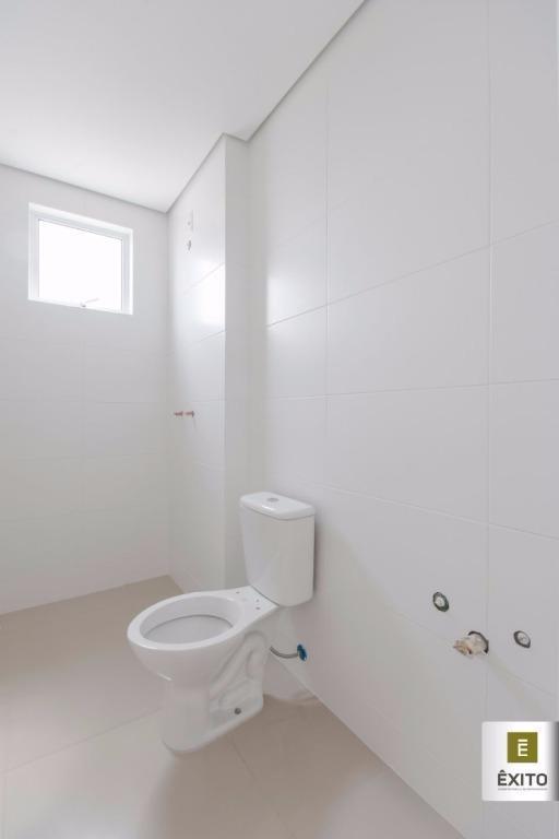 apto c/ 02 suítes, living integrado, sacada c/ churrasqueira, área de serviço, garagem privativa (c/ opção...
