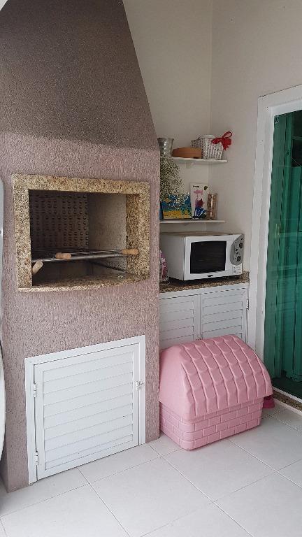 sobrado c/ 02 suítes (sendo 01 c/ sacada), escritório, lavabo, sala de estar e jantar, cozinha,...