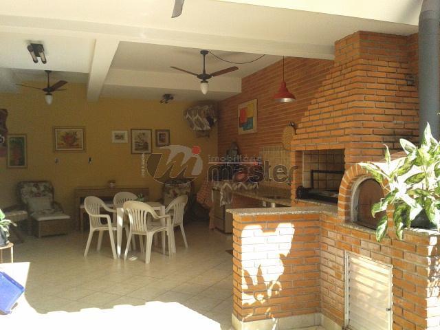 2 Vagas de Garagem cobertas, 4 dormitórios ( 2 suíte), Centro- Rio Claro/SP.