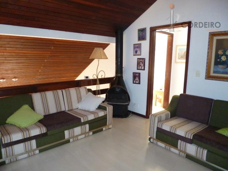 tranquilidade para se morar com qualidade e segurança, excelente casa em condomínio fechado, em santa felicidade,...