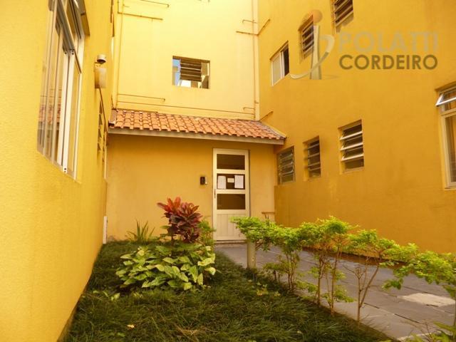 apartamento com ótima localização em condomínio localizado em frente ao jardim botânico. possui 3 quartos, 1...