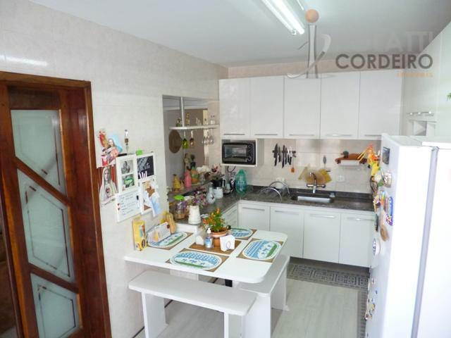 ótima residência no centro de colombo/pr em rua tranquila e região de ótima estrutura comercial. a...