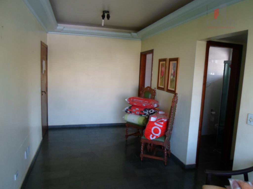 Apartamento 1 dorm., St., sala 2 amb., centro