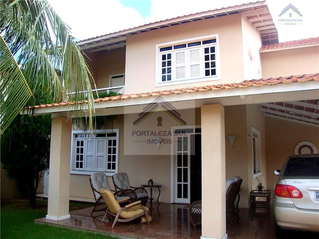 Casa á Venda no Edson Queiroz