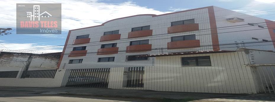 Apartamento c/ 3 quartos (sendo 1 suíte), com 2 vagas de garagem, na Parquelândia, Fortaleza.