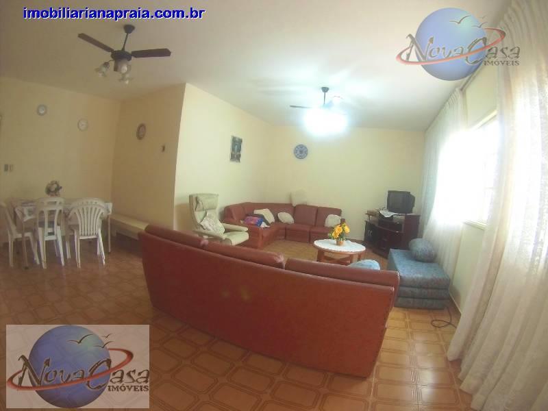 Casa 4 Dormitórios, Balneário Maracanã, Praia Grande.