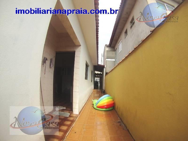 imobiliária na praia - ótima oportunidade para você adquirir seu imóvel na praia grande. casa 2...