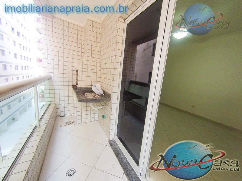 Apartamento  ! dormitório com churrasqueira na sacada, Vila Tupi, Praia Grande.