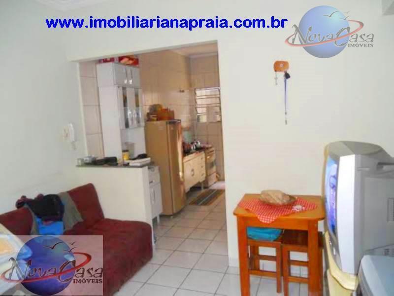 Casa 1 Dormitório em condomínio fechado, Campo da Aviação, Praia Grande.