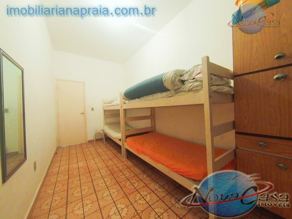 imobiliária na praia - casa na praia grande com 2 dormitórios, 1 sala, 1 cozinha, 2...