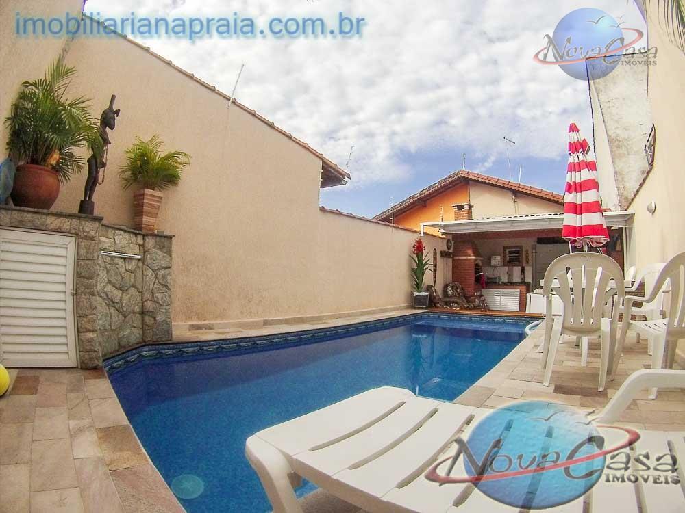 Casa 3 Dormitórios 1 suite com Piscina e churrasqueira, Praia Grande.