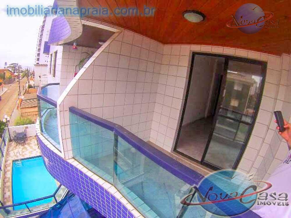 Apartamento 2 dormitórios, suíte e piscina na Praia Grande