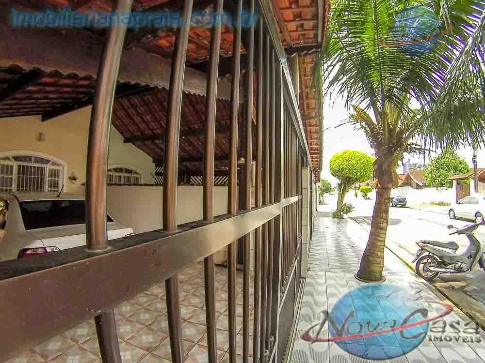 Casa 2 dormitórios com piscina, à venda, Balneário Maracanã, Praia Grande.