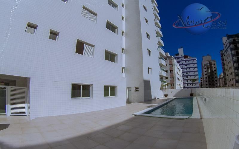apartamento com maravilhosa vista e definitiva para mar, sacada gourmet, acabamento primoroso valorizado pela ótima iluminação...