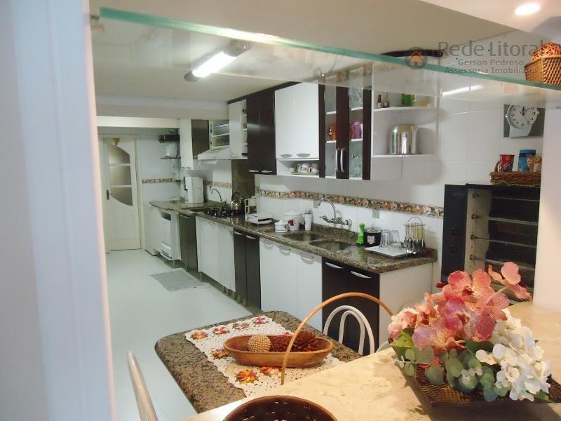 Apartamento residencial à venda, Centro, Torres - AP0100.