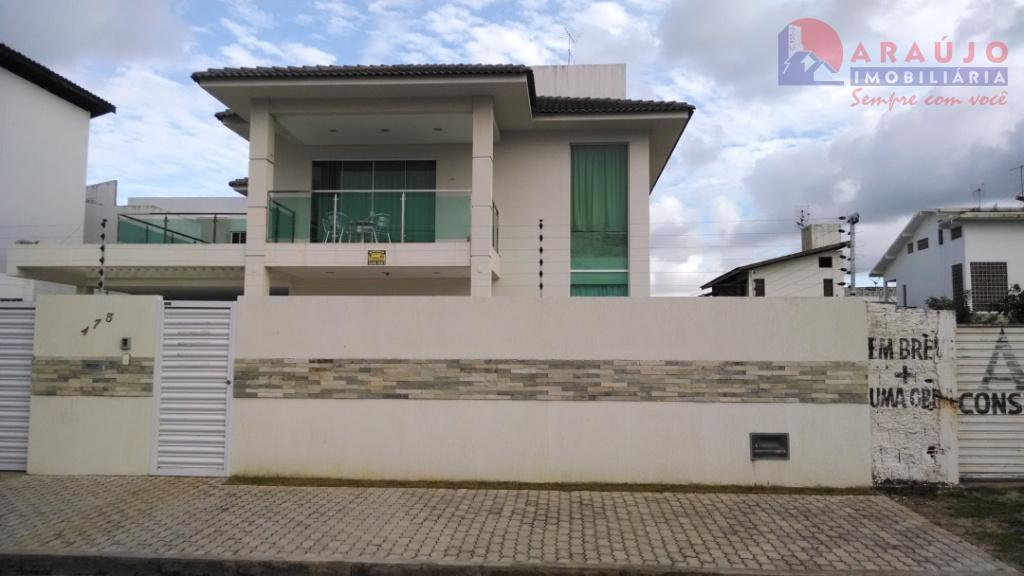 Excelente casa à venda em Intermares.