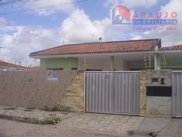 Casa à venda no Geisel-Cuiá.