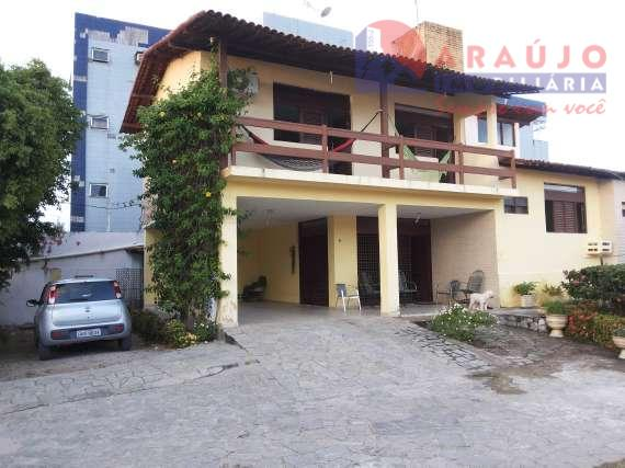Casa em Camboinha.
