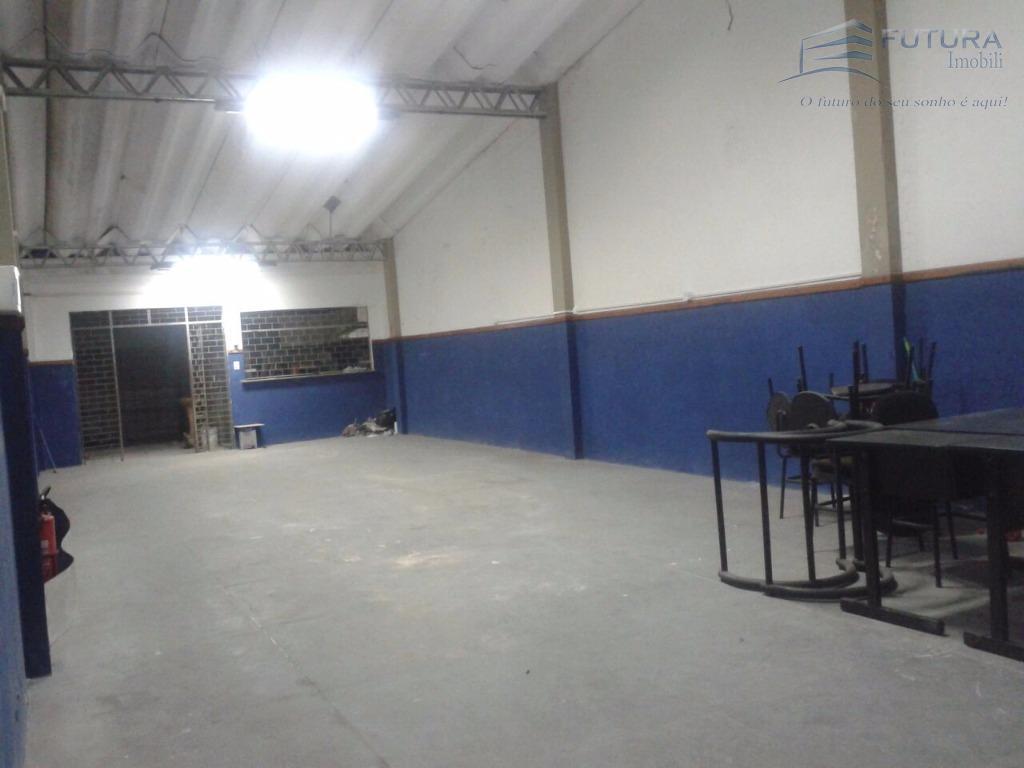 OPORTUNIDADE: Galpão  comercial para locação, Montese, Fortaleza - R$  1.300,00