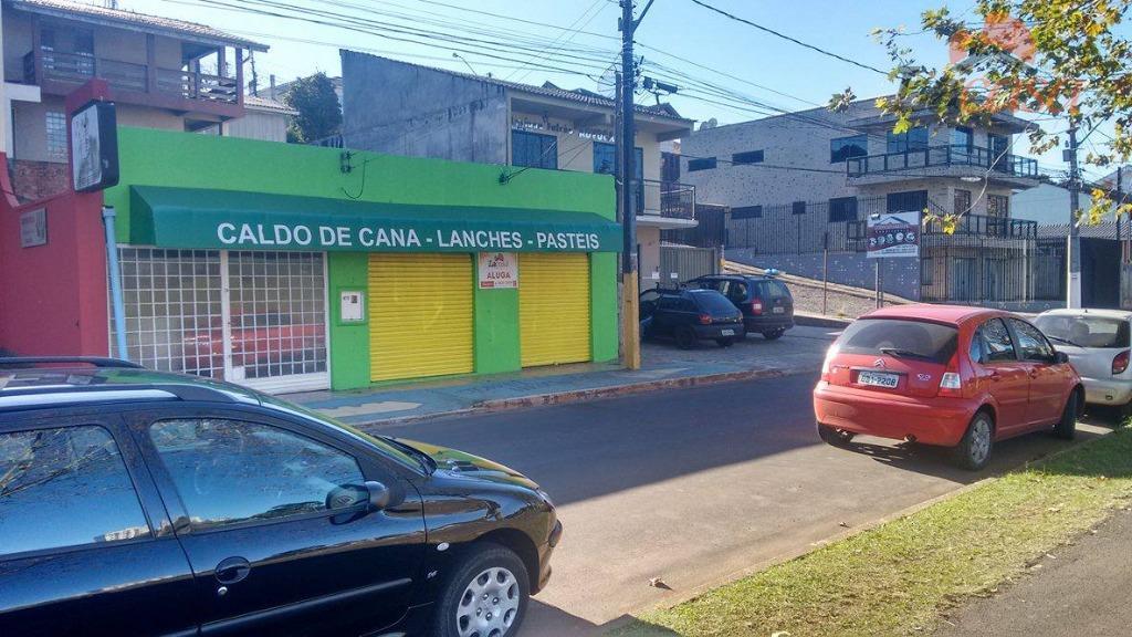 EM FRENTE AO PARQUE DO LAGO