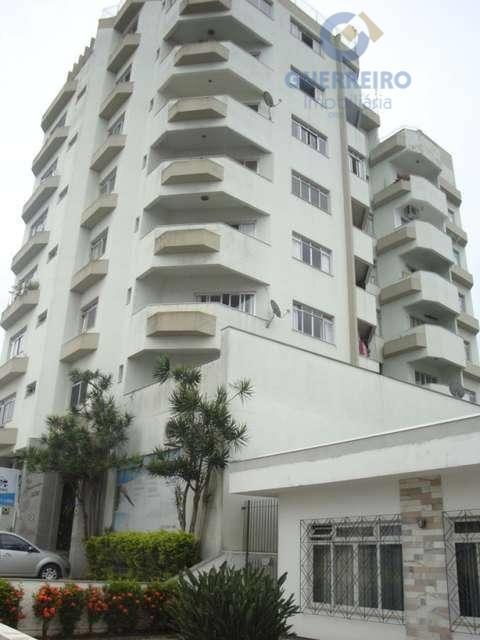 Apartamento  residencial à venda, São João, Itajaí.