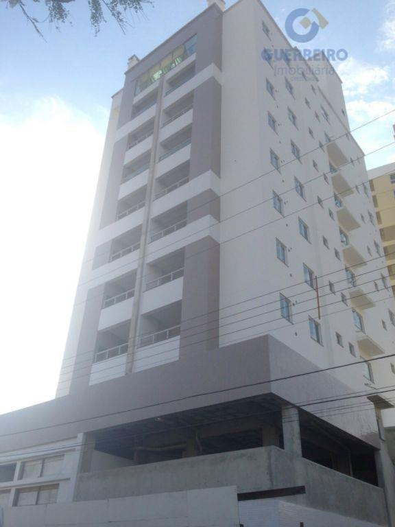 Apartamento residencial à venda, Vila Operária, Itajaí - AP0002.