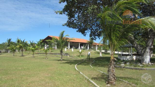 Baixou preço!!! Lindo sítio com 3 casas e piscina no Cumbuco, área total de 78.307m²